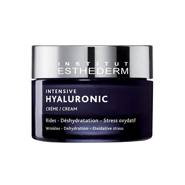 Intensive hyaluronic cream is composed by three different types of hyaluronic acid to intensively hydrate and stimulate the natural production of hyaluronic acid.