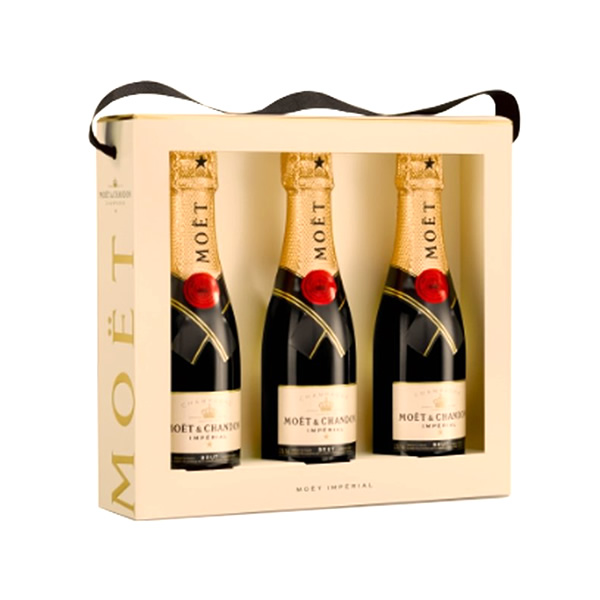 The new Moet & Chandon Imperial TriPack features three mini bottles of the iconic brut Champagne. The colour is perfect golden straw with subtle hints of green, and aromas of white fruits including pe