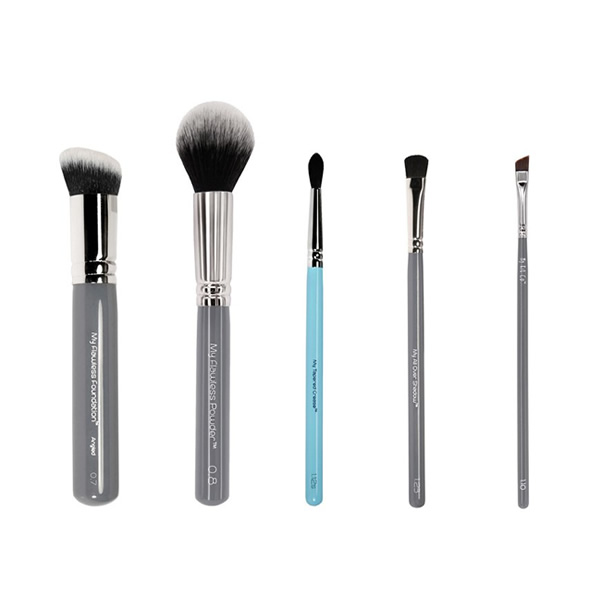 These 5 super soft synthetic fibre brushes have been selected to help you create flawless skin and perfect eyes this Christmas
