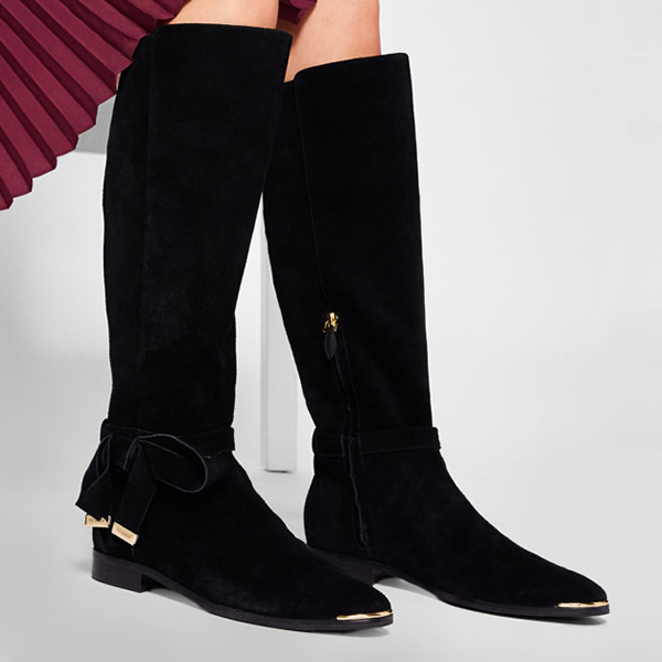 Go weak at the knees over the ALRAMI boots