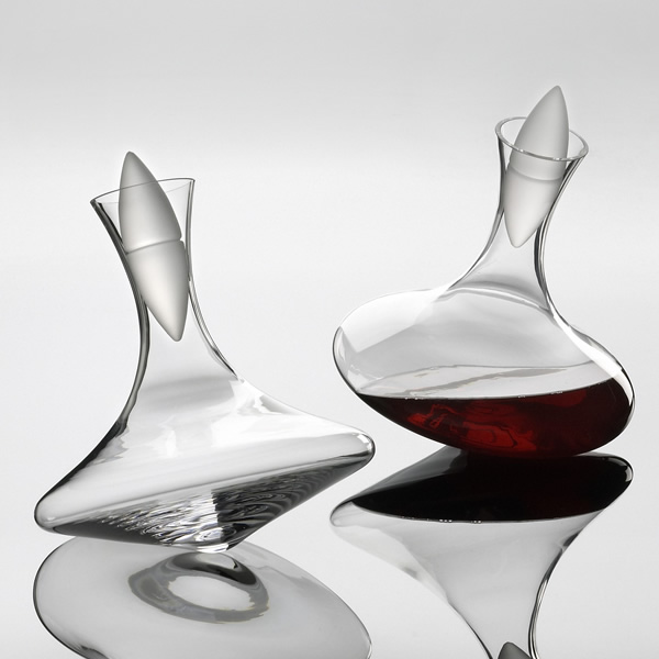 All true free spirits will spot the fun to be had with the Selection Rolling Decanter