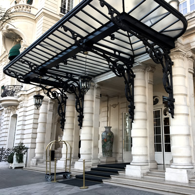 Shangri-La Hotel Paris Lobby