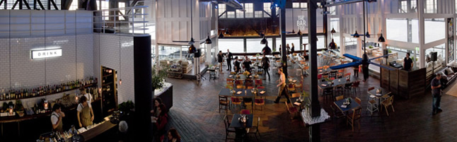 Theatre Bar at the End of the Wharf Review